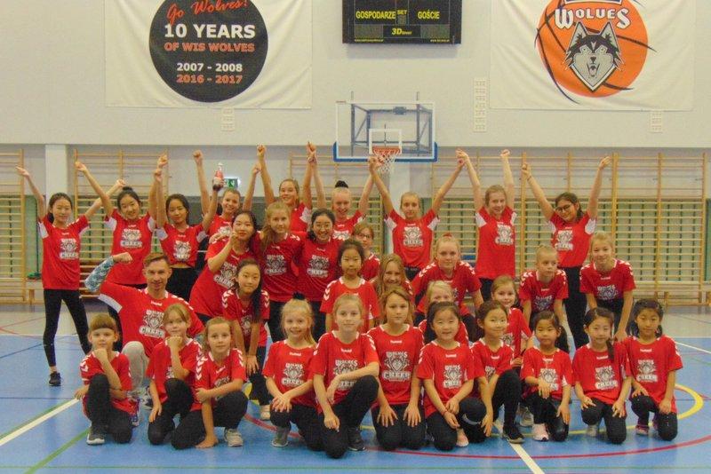 cheerleaders ATUT Wolves Program Sportowy